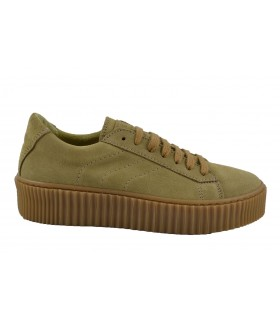 Creepers sport riri IS TO ME (1)